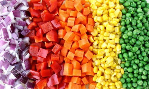 """กินผัก 5 สีให้ """"เจ"""" นี้ไม่จำเจ"""